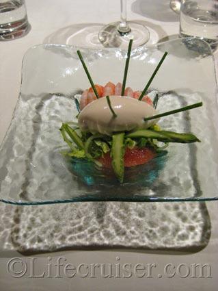 Starter with avocado mousse at Bon Vivant restaurant, Photo by Lifecruiser