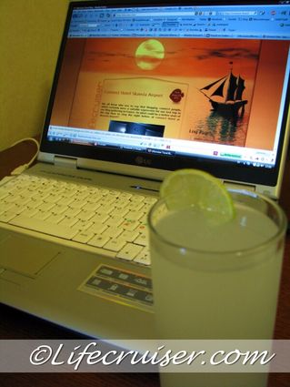 Drink Round The World Meme: Gin & Tonic Drink at Lifecruisers laptop, Sweden, Photo Copyright Lifecruiser.com