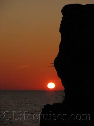 Rauk Sunset, Fårö island, Gotland, Sweden, Copyright Lifecruiser.com
