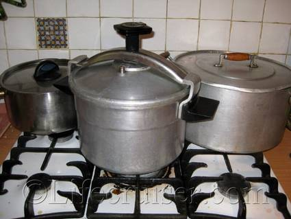 French Pressure cooker, France, Copyright Lifecruiser.com