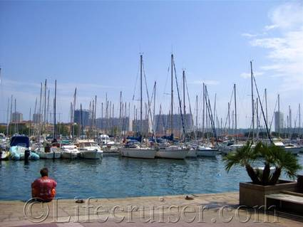 Toulon Marina with private boats, France, Copyright Lifecruiser.com