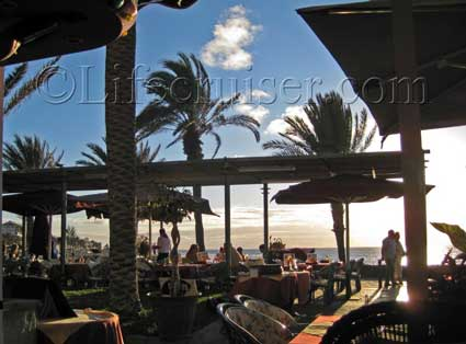 Las Americas Beach Restaurant, Tenerife Island, Photo by Lifecruiser
