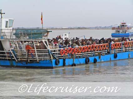 Romeria San José romero's on Sanlúcar ferry, Photo by Lifecruiser