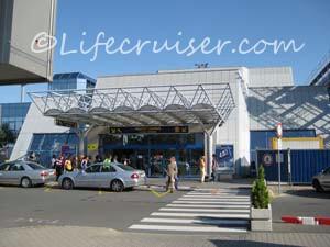 Ryanair Bratislava Airport Arrival