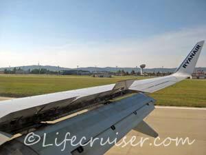 Ryanair Bratislava Airport airplane landing