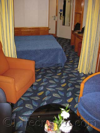 Silja Symphony Cruise Ship's Commodore Cabin, Photo by Lifecruiser