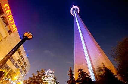 ca-toronto-cn-tower-night