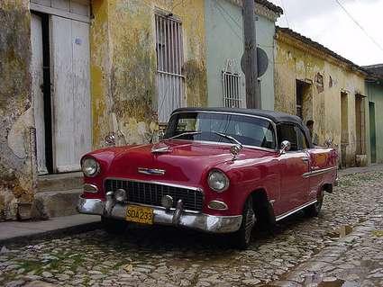 cuba-red-classic-car