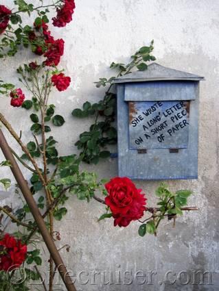 faro-old-mailbox-message, Gotland Roadtrip, Sweden