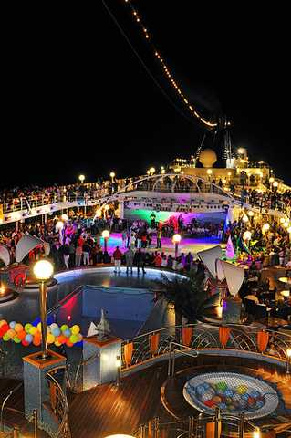 Med-cruise-night-party