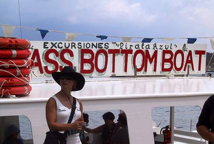 menorca-ass-bottom-boat
