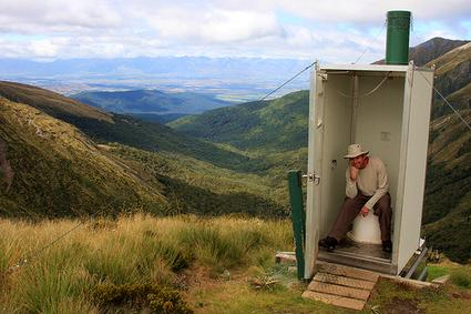 New Zealand: Emergency stop toilet at Kepler trek