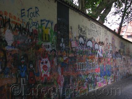 prague-lennon-peace-wall