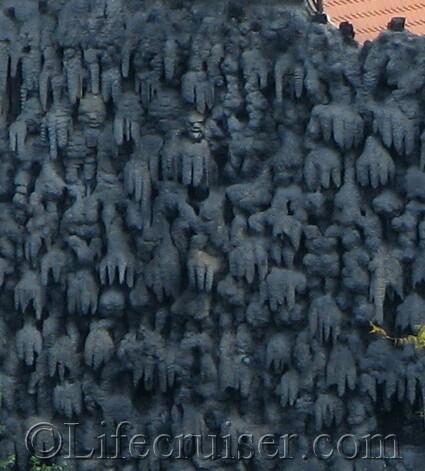 prague-strange-ghost-wall-close