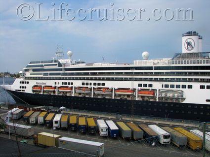 rotterdam-holland-american-cruise-ship