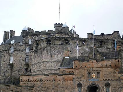 scotland-edinburgh-castle-rock