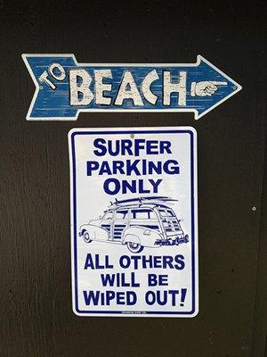 Sweden, Gotland: Surfer only beach sign