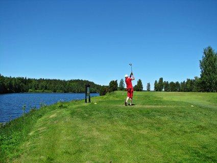 Sweden: Hooks Golf Course - Lifecruiser swing