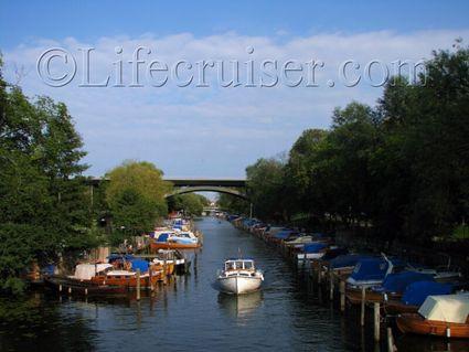Stockholm-langholmen-canal-boats, Sweden