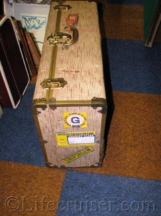 swedish-american-line-vintage-suitcase
