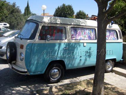 vw-camper-van-blue-retro