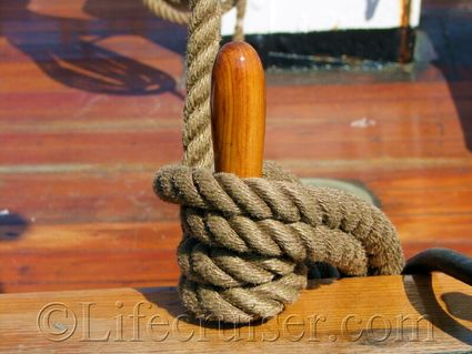 Wooden-boat-rope-not-knot, belaying pin